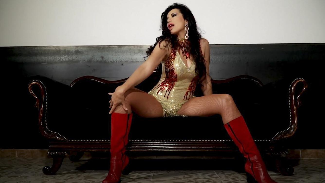 Selena-23
